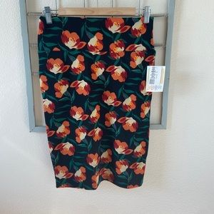 Lularoe Cassie Skirt in Floral Print Size Small